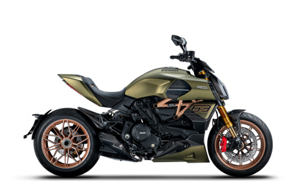 Diavel-Lambo-MY21-01-Book-a-testride-630x390